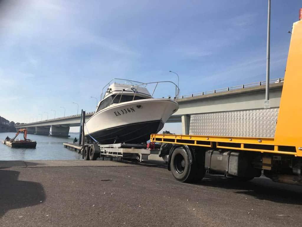 Slip Away boat transport using a mobile slip cradle for a large boat in Sydney
