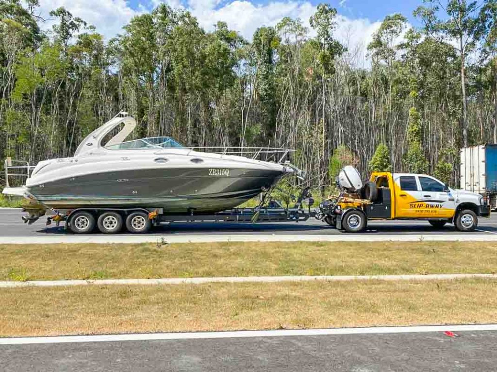 A 315 Searay Sundance getting transported by road from Rockhampton in QLD to Drummoyne in NSW by Slip Away Boat Transportation Company 2 of 2