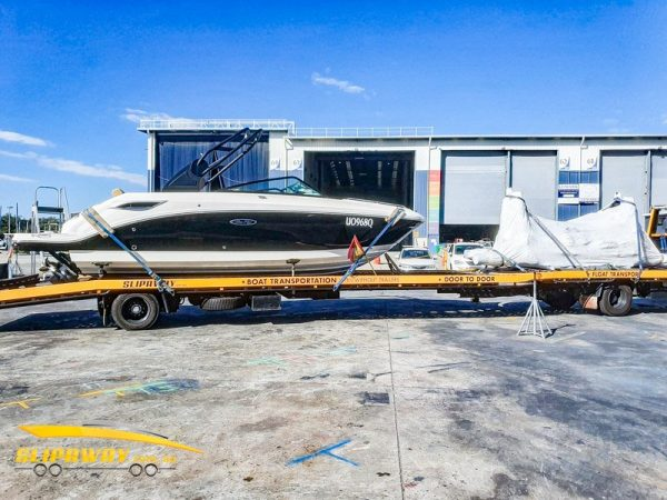 SLIP AWAY INTERSTATE YACHT TRANSPORT FOR A SEA RAY 250SDX 25 FOOT FROM GOLD COAST CITY MARINA TO YOWIE BAY IN SYDNEY